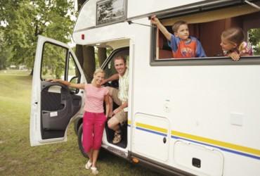 Una casa in movimento: scopri i vantaggi di viaggiare in camper con i tuoi figli!